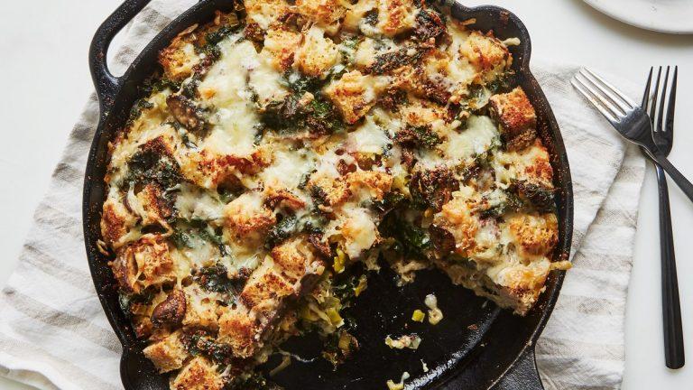 Strata aux champignons et au chou frisé