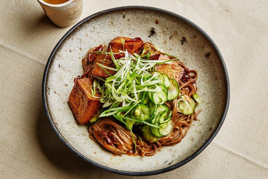 <pre>Nouilles au sésame et au tofu croustillant