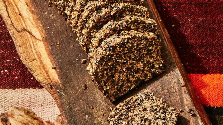 Pain aux graines noires