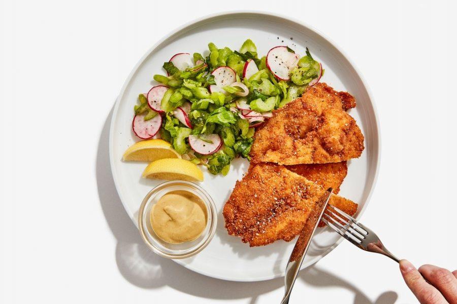 <pre>Schnitzel au Poulet avec Salade Croquante