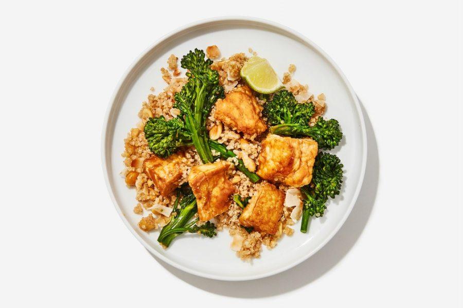 <pre>Tofu vraiment bon avec du quinoa à la noix de coco et du broccolini
