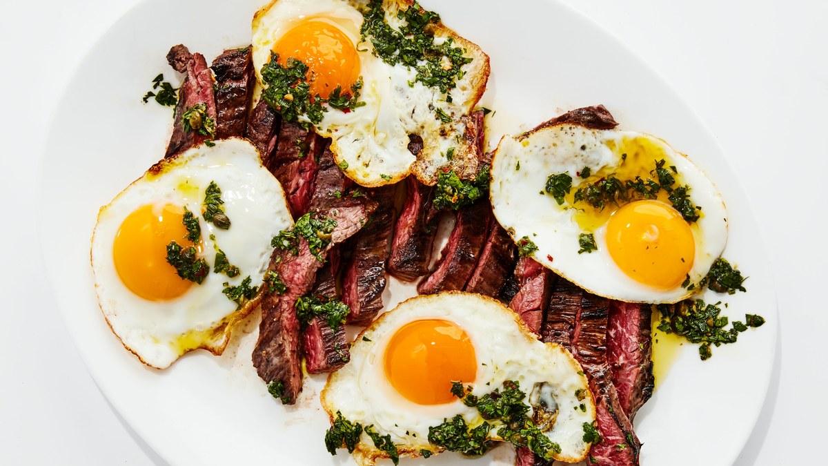 <pre>Steak et Oeufs à la Salsa Verde