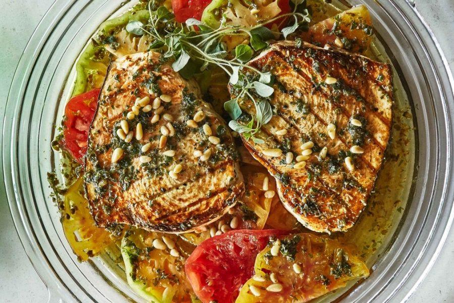 <pre>Espadon grillé avec tomates et origan