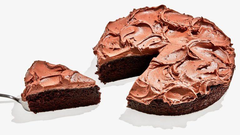 Le gâteau d'anniversaire au chocolat le plus facile