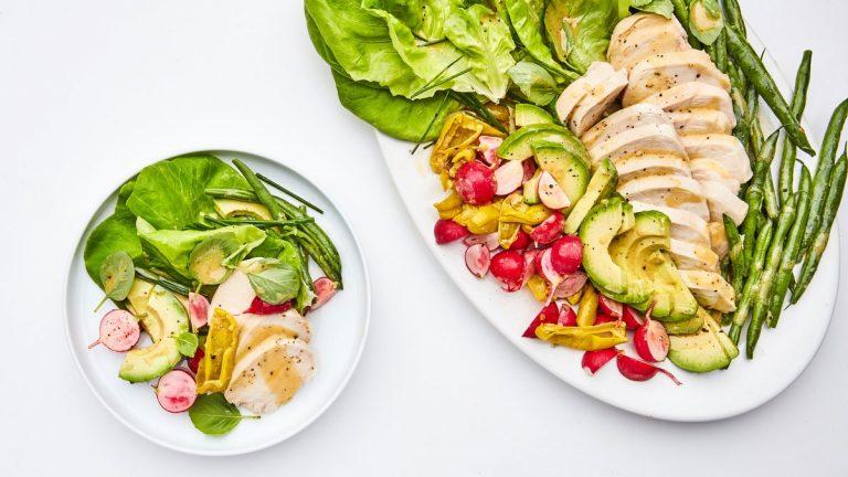 Salade de poulet printanière aux haricots verts écrasés