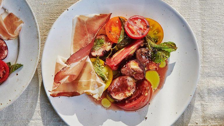 Salade De Tomates Aux Figues Et Prosciutto