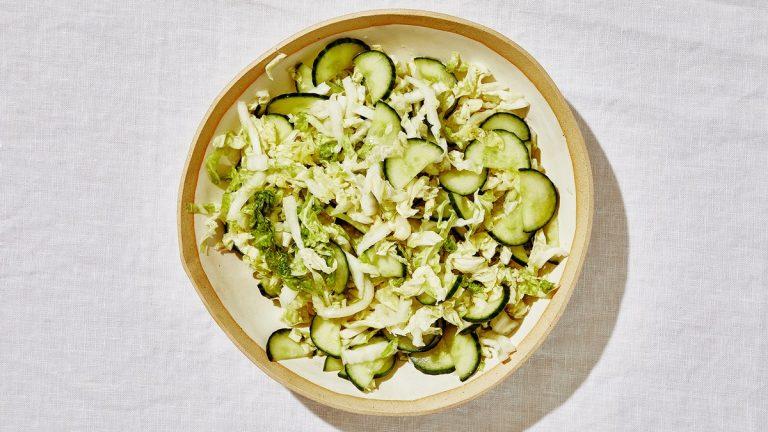 Salade de chou et de concombre Napa