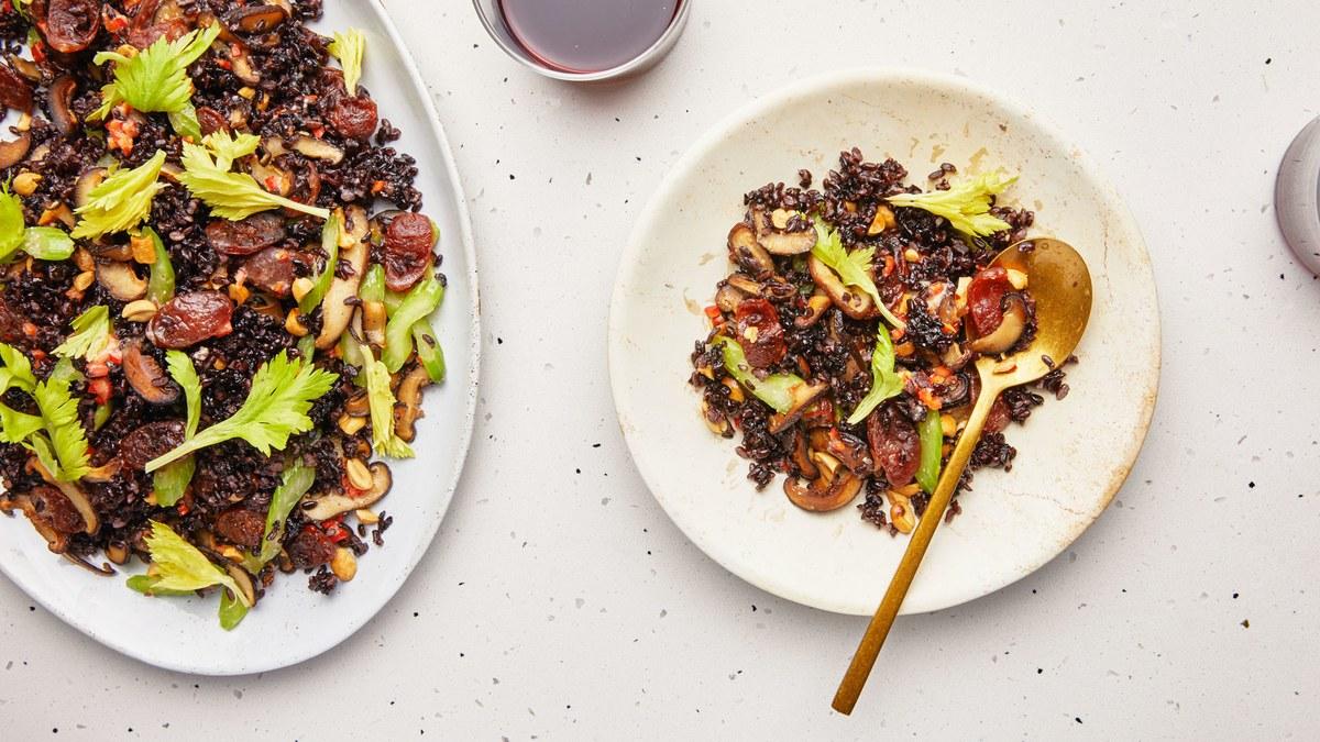 <pre>Vinaigrette au riz noir et à la saucisse chinoise