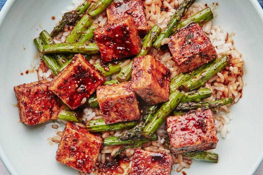 Tofu au poivre noir et asperges