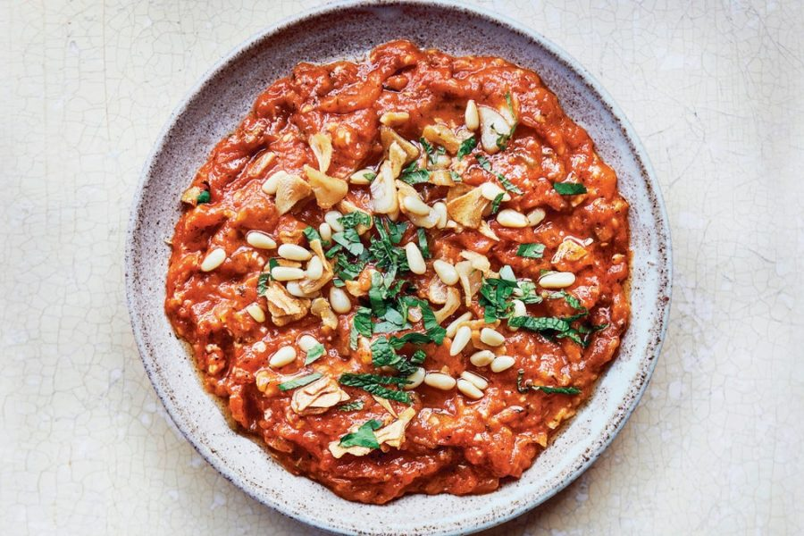 Galayet Banadoura (tomates sautées aux pignons et menthe)
