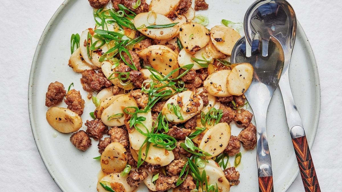 Porc sel et poivre avec galettes de riz croustillantes
