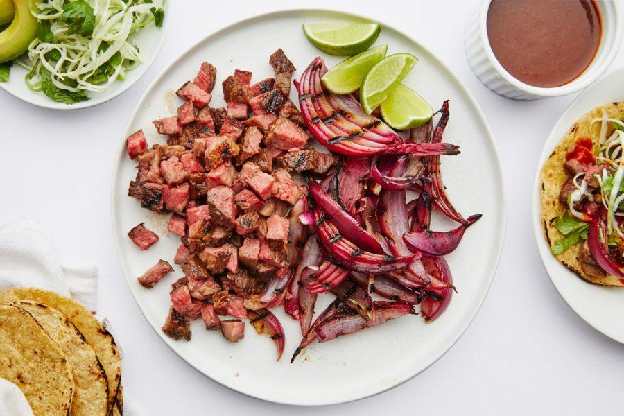 Tacos de côtes courtes avec salade de coriandre et lime