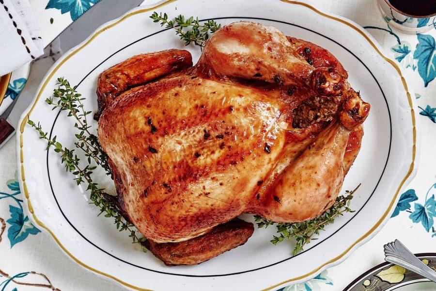 Poulet rôti à l'ail double avec sauce à l'oignon