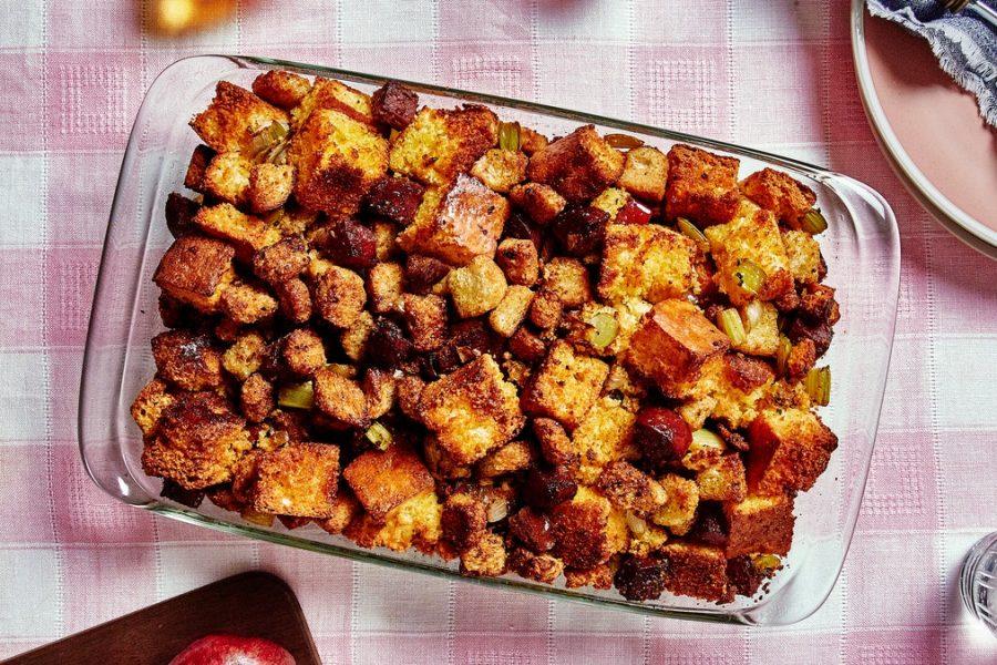 Vinaigrette au pain de maïs et au salami