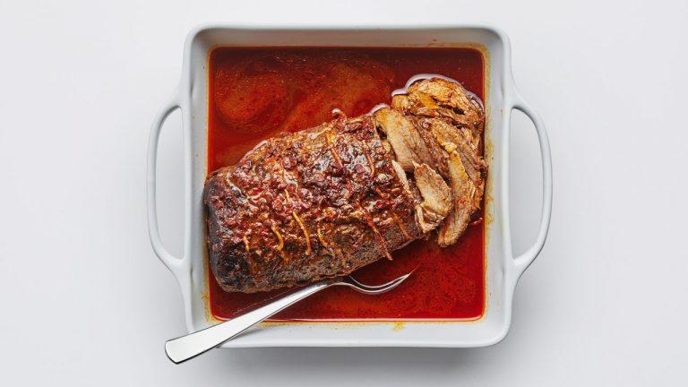 Poitrine de poitrine rôtie avec harissa et épices