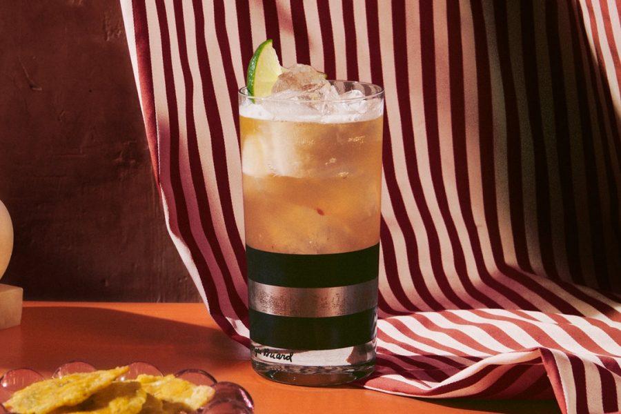Cocktail à la tequila, à la bière et aux agrumes