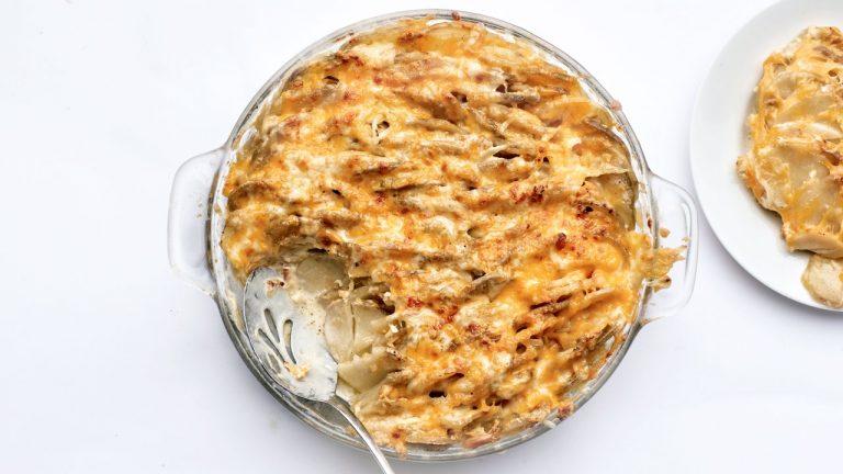 Gratin de pommes de terre extrêmement fromage