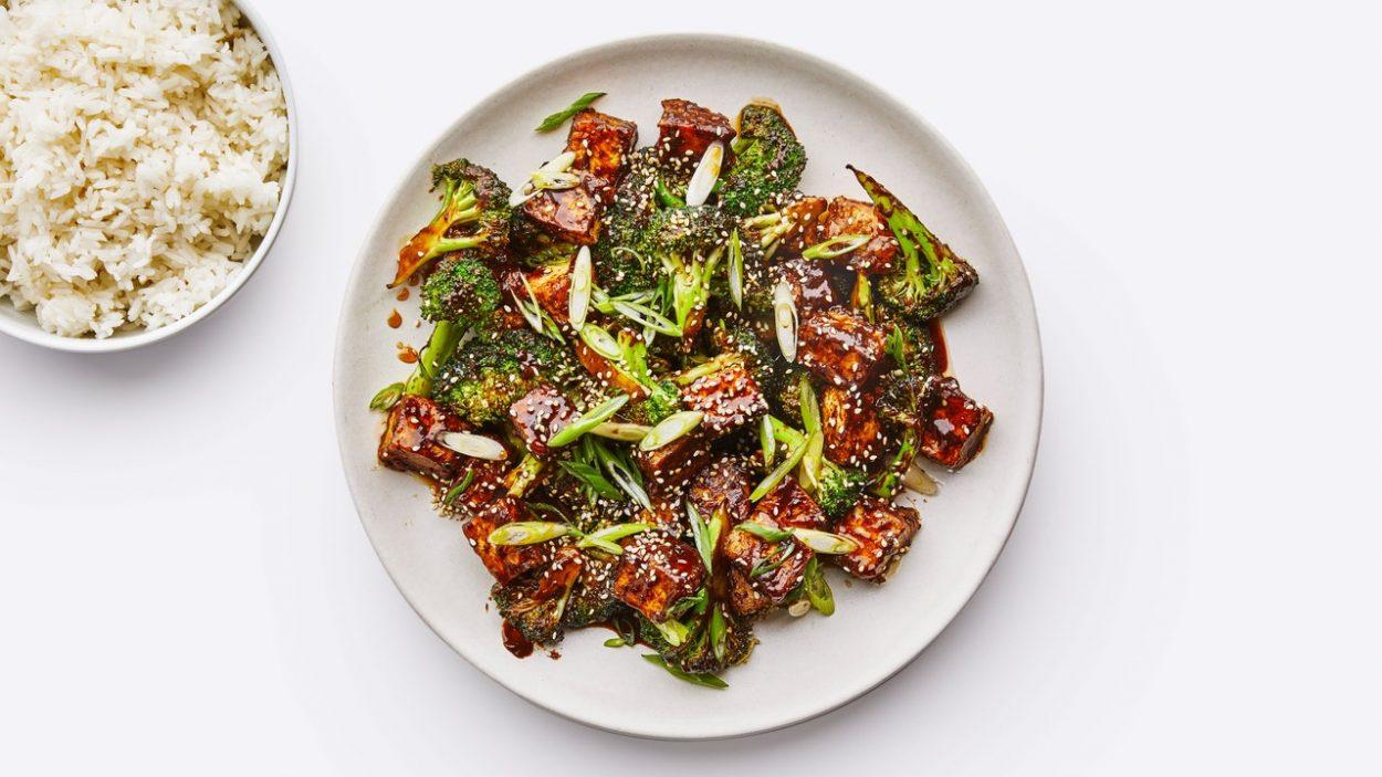 Tofu au sésame et brocoli