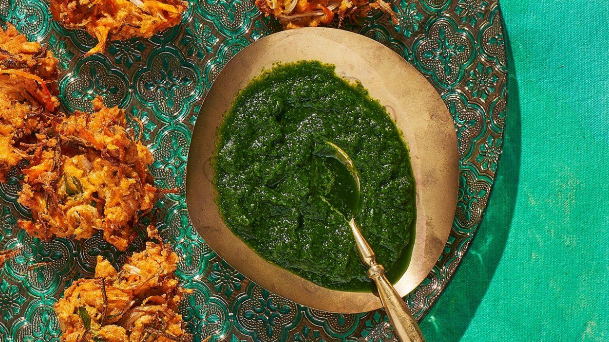 Chutney aux oignons verts, coriandre et menthe