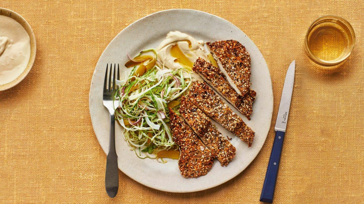 Escalopes de poulet zaatar avec salade de chou