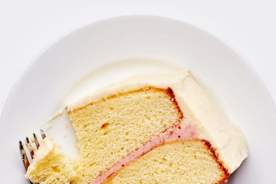 Gâteau à la vanille sans mélange avec glaçage au fromage à la crème acidulé