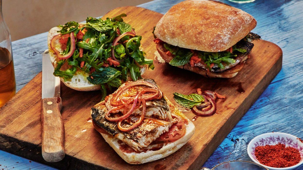 Les célèbres sandwichs au maquereau d'Istanbul