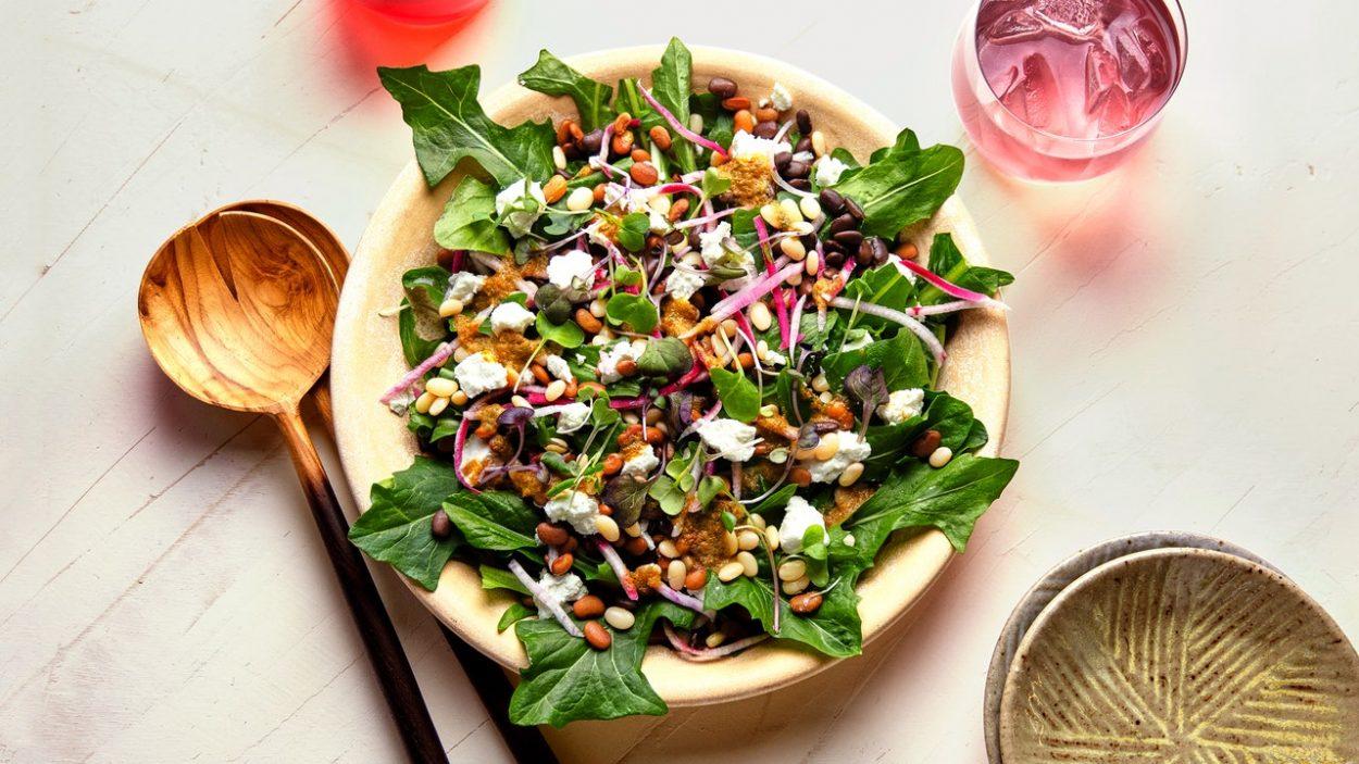 Salade de haricots verts et vinaigrette aux canneberges et au sumac