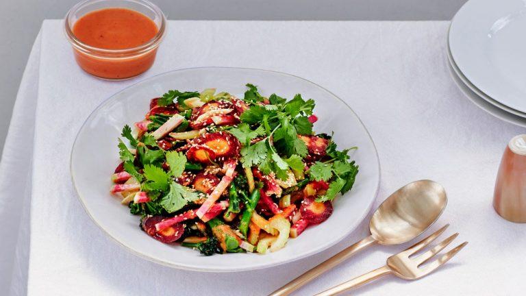 Salade Hachée Suprême Avec Vinaigrette De Kimchi