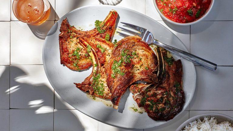 Tuk Trey Ping Poh avec côtelettes de porc