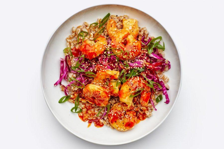 Crevettes Poêlées Croustillantes Avec Salade De Chou Et Mayo Gochujang