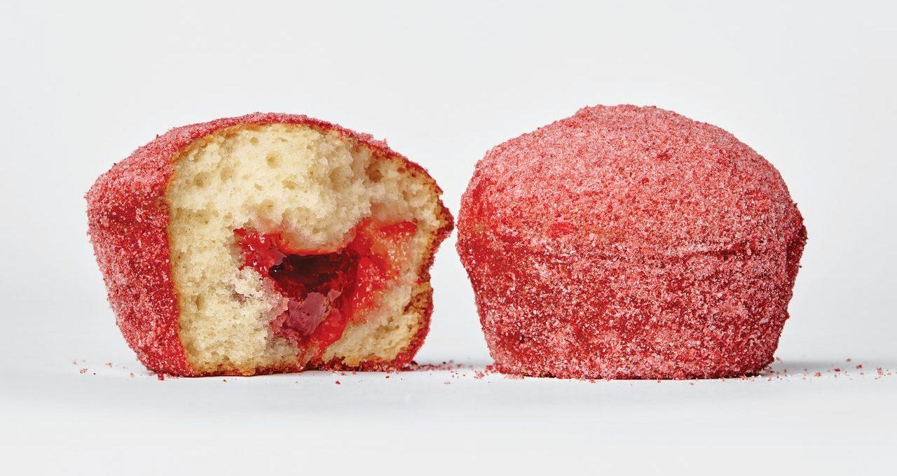 Muffins aux fraises et aux beignets